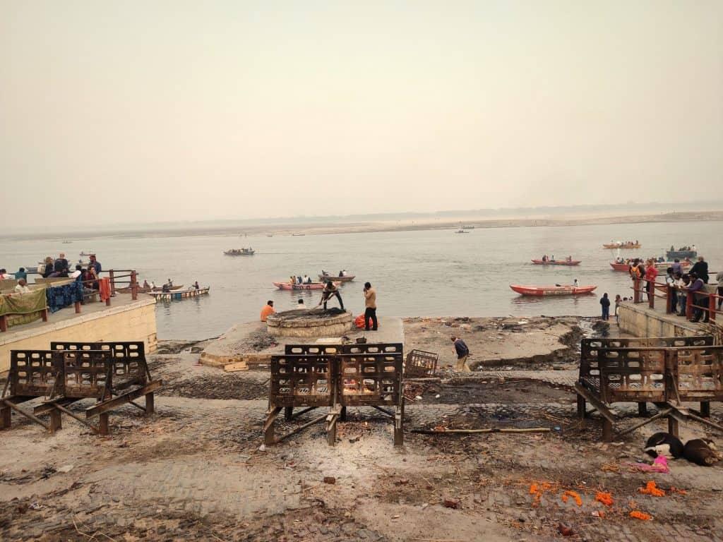 48 hours in Varanasi Manikarnika Ghat