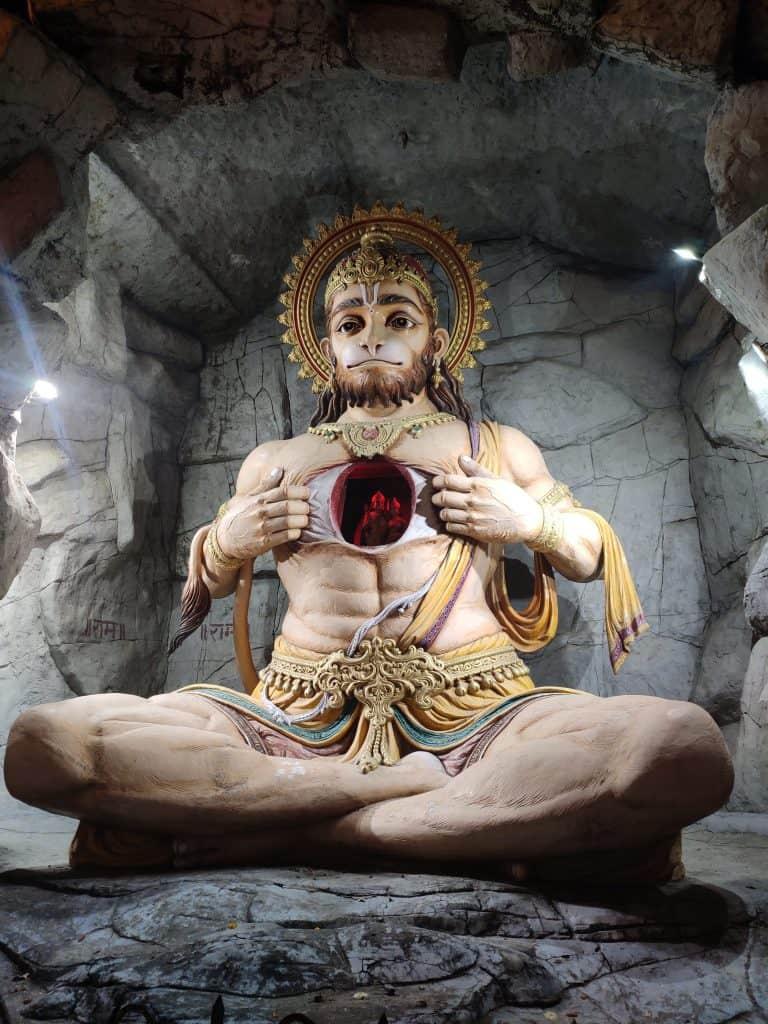 Hanuman idol at Parmarth Niketan Ashram